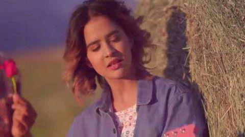 Love Me Thoda Aur video status for whatsapp